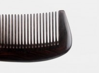 XIN ZHI Ebony Gold Hand-painted Handle Comb Brown