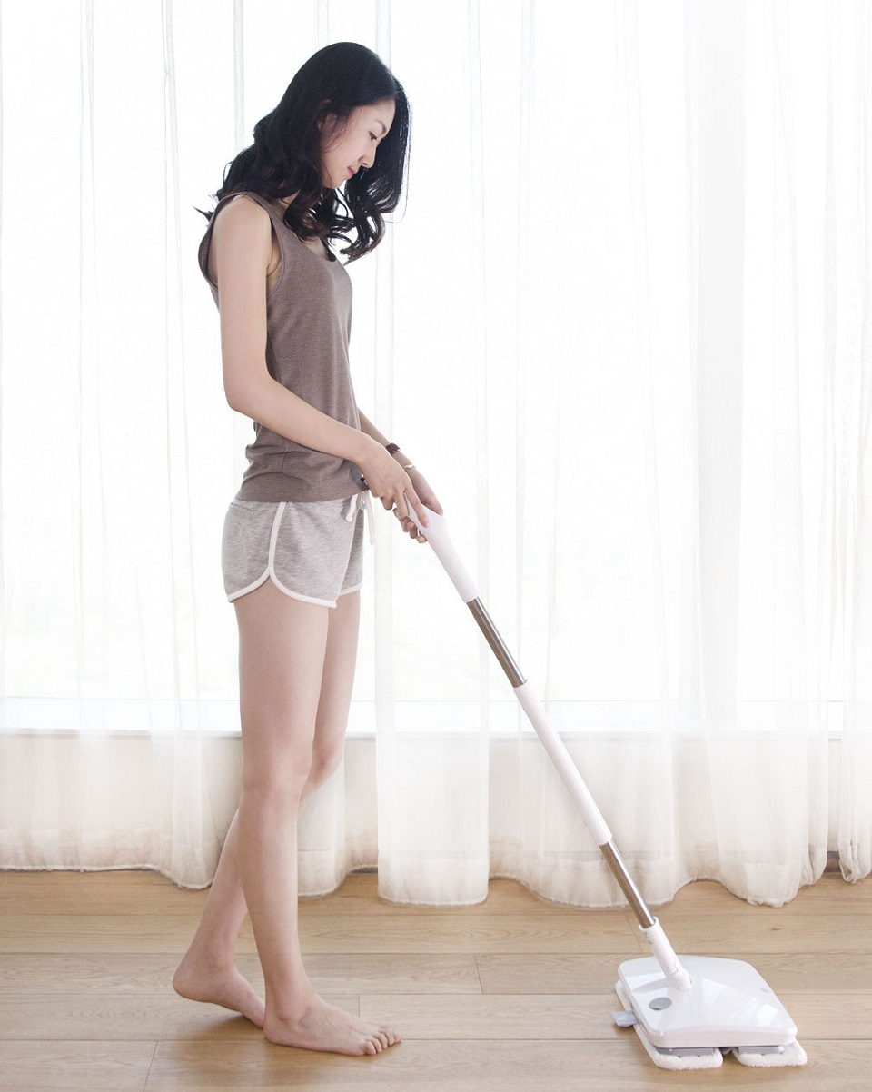 Xiaomi Handheld Electric Mop Girl With the Mop